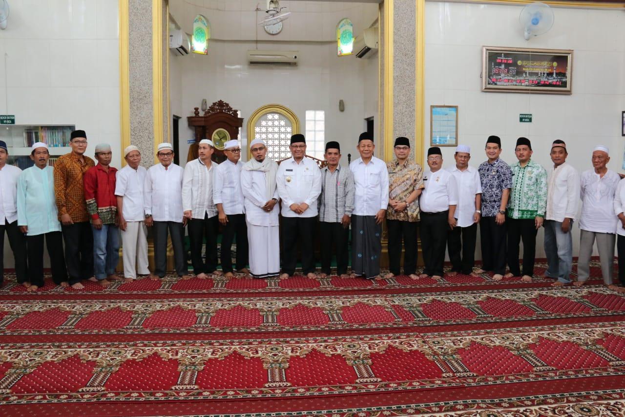 Safari Jumat di Mesjid Darul Jalal Jl. Taud Kelurahan Sidorejo Kecamatan Medan Tembung